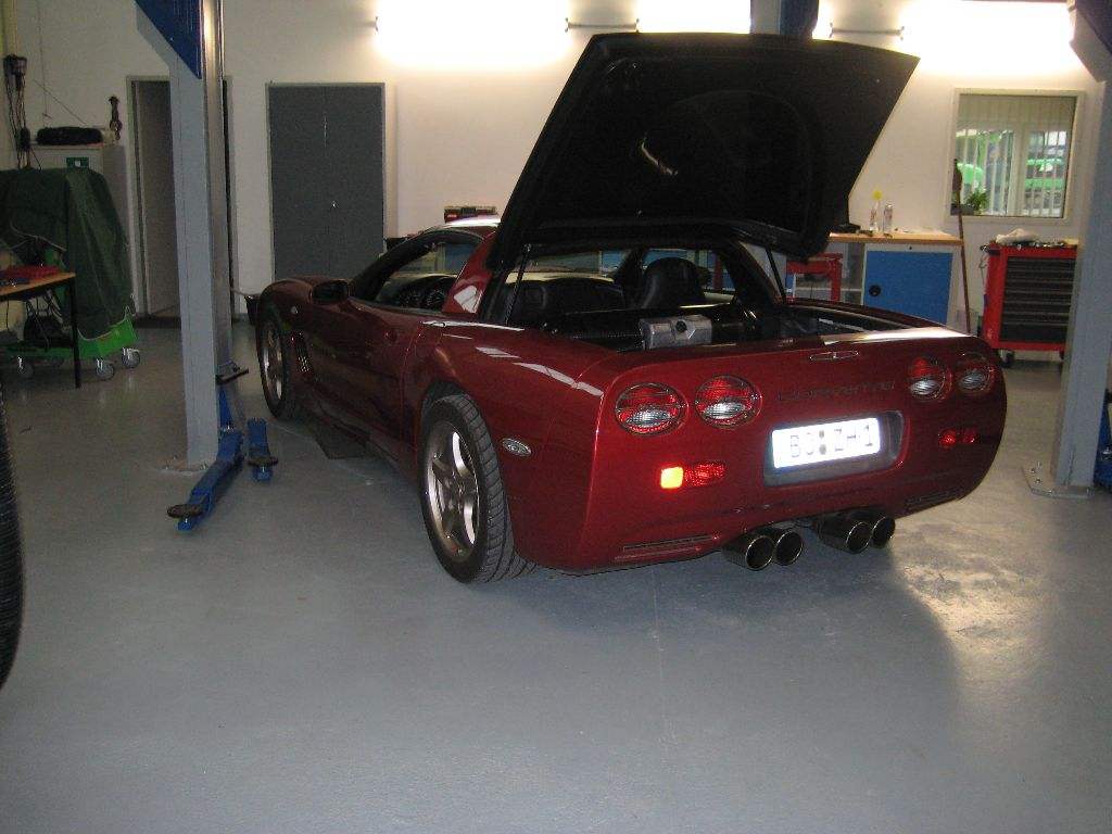 Chevrolet_Corvette_1_17